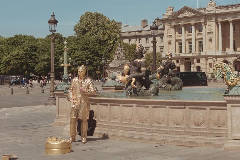 paris-statueman.jpg